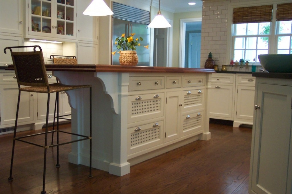 White Custom Kitchen Islands Three Mistakes To Avoid When Installing Custom Kitchen Islands